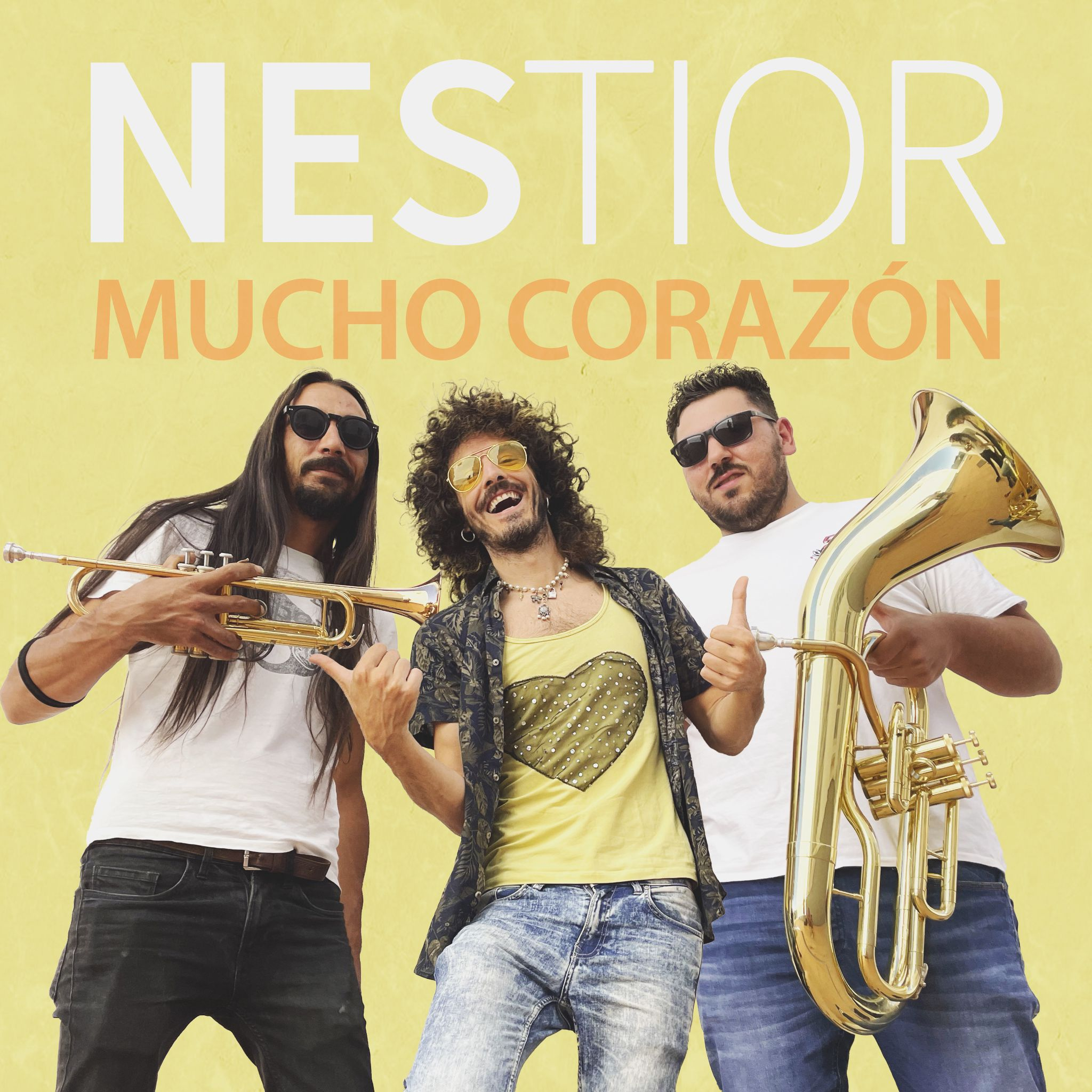 Mucho Corazón is Nestior's new song that is a jingle on Canal Fiesta Radio this summer
